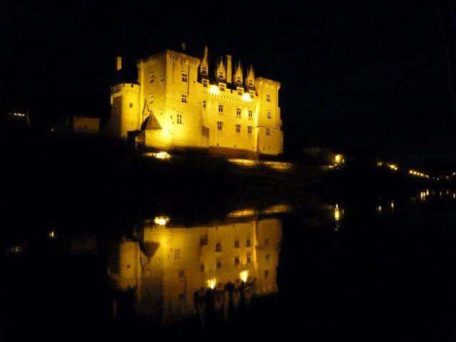 chateau illuminé